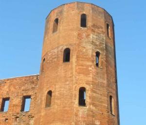 Altes Gebäude aus Ziegelsteine.