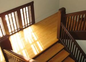 Treppenhaus aus Holz.