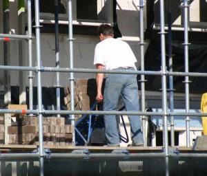 Mit dem Kaufpreis oder den Baukosten ist es noch lange nicht getan: Überall lauern versteckte Nebenkosten.