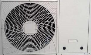Mit einer Abluft-Wärmepumpe lässt sich die warme Abluft als Heizquelle nutzen.