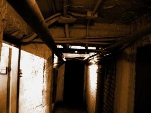 Dunkle Kellerräume.