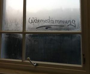 Beschlagene Fensterscheibe.