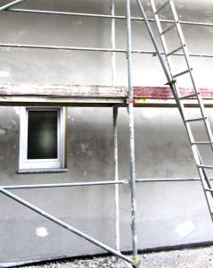 Fassade wird verputzt.