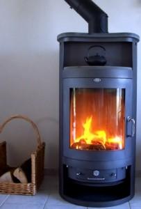 Mit einem modernen Kamin und der richtigen Technik kann durchaus umweltfreundlich zugeheizt werden.
