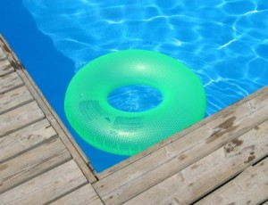 Damit der Traum vom Pool nicht in einem Albtraum endet sollten im Vorhinein einige Dinge durchdacht werden.