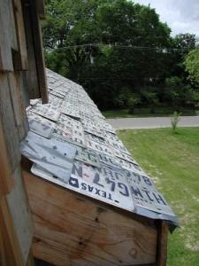 Das Dach des License Plate House ist mit abgelaufenen Nummernschildern gedeckt. Foto: The Phoenix Commotion
